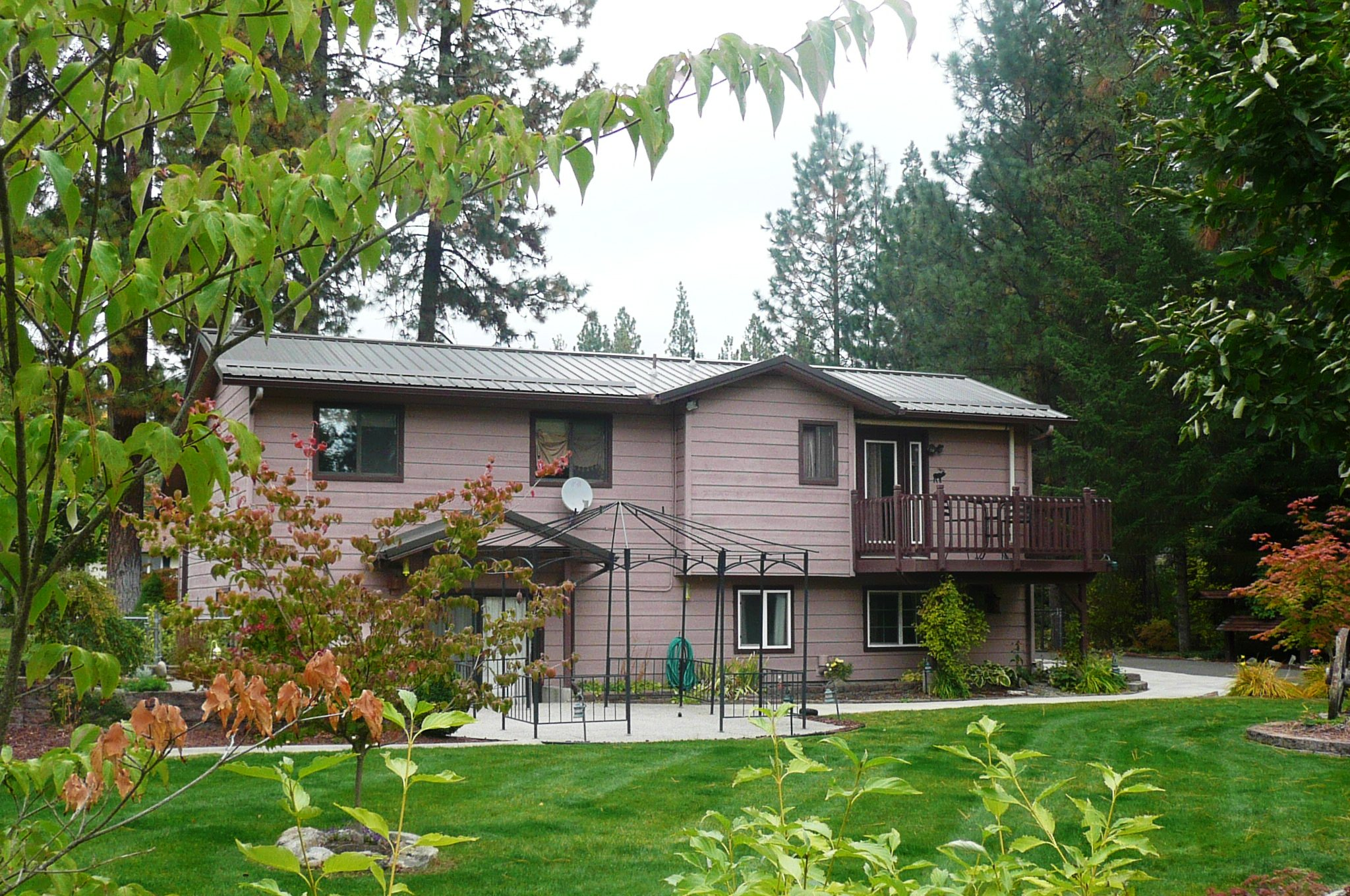 Landscaped 1 Acre Home on Appaloosa